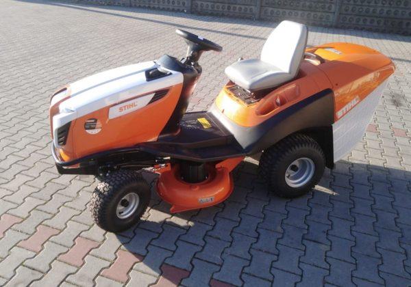 STIHL RT 5097 – Komfortowy traktor ogrodowy z pojemnym koszem na trawę